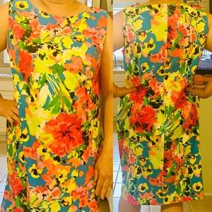 Beautiful Floral Shift Dress 👗